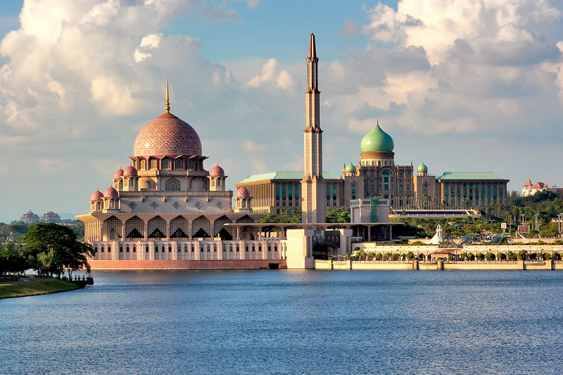 Danau Dan Masjid Putrajaya