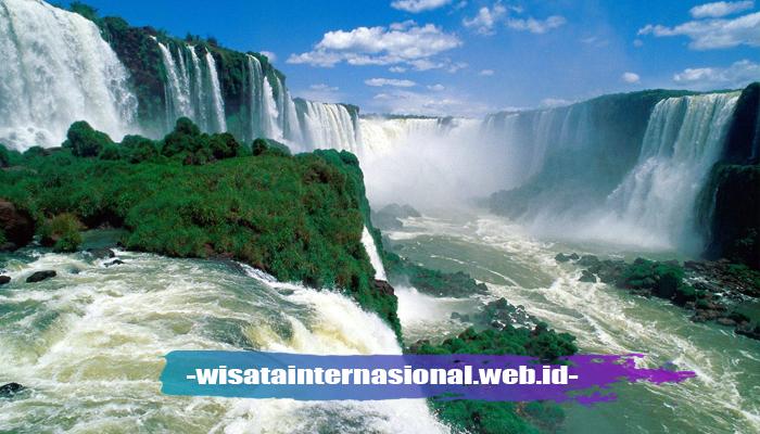 Air Terjun Iguazu di Brazil