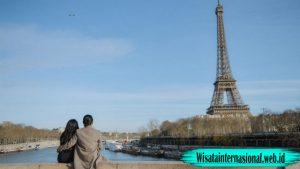Tempat Yang Tepat Untuk Memandang Menara Paris